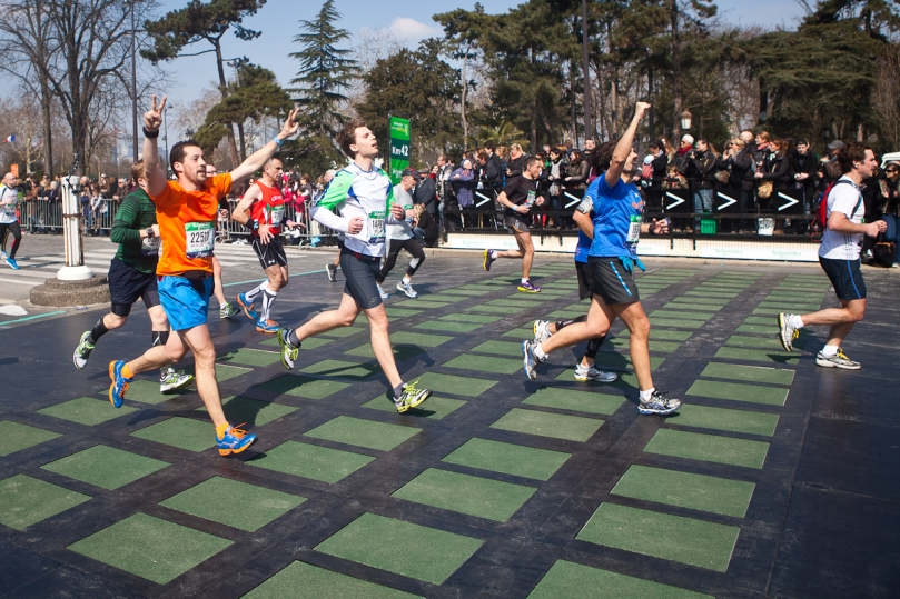 Pavegen_at_the_paris_marathon_1_LR
