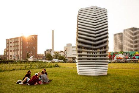 Smog-Free-Tower-by-Daan-Roosegaarde_dezeen_468_3
